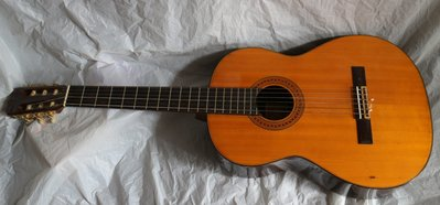 ANTIQUE FENDER CLASSIC FC-30,CLASSICAL NYLON GUITAR WITH HARD CASE,MADE IN JAPAN