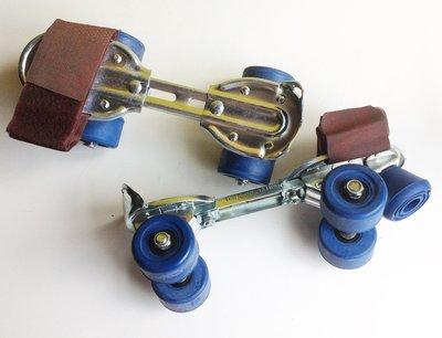 《**時光屋** 》台灣製 早期溜冰鞋 ~~ 藍輪鐵製~