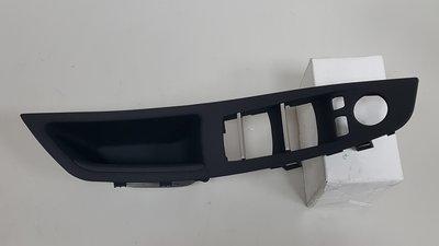 BMW F10 2010- 前門內把手外蓋 (左邊.駕駛座 關門用) (黑色) 內門板 內飾板 51417225873