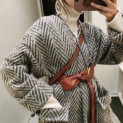 'OVERCOAT'慵懶浴袍風 前短后長高定粗紡人字紋羊毛皮草大衣女