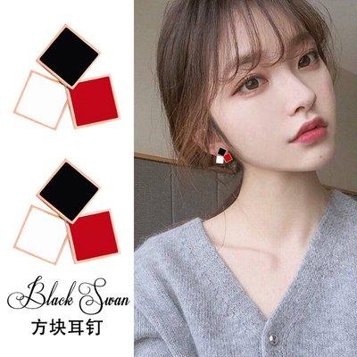 花姑子的賣場耳環2020新款時尚氣質百搭網紅同款韓國個性創意鈦鋼黑色短髮耳釘