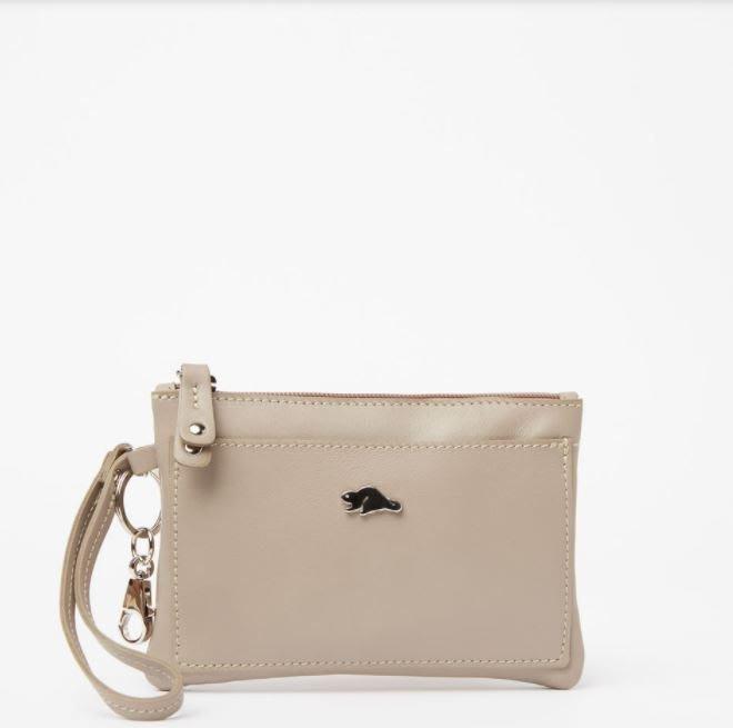 ~☆.•°莎莎~*~~☆~加拿大ROOTS加拿大 Pearl grey gris perle 手拿包-
