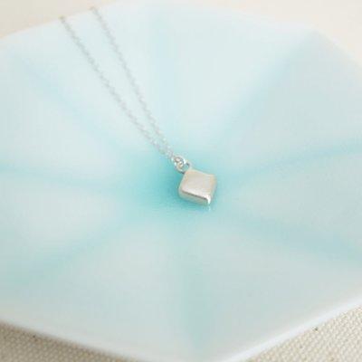 [ Cami Handicraft ] 紙牌的祕密 霧面方塊短鏈 - 純銀款 手作飾品 簡約趣味造型 適合OL日常穿搭