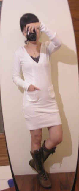 轉賣 韓 白色 氣質款 連帽 休閒運動風  彈性洋裝(sora 韓妮 may Chan 簡約時尚)