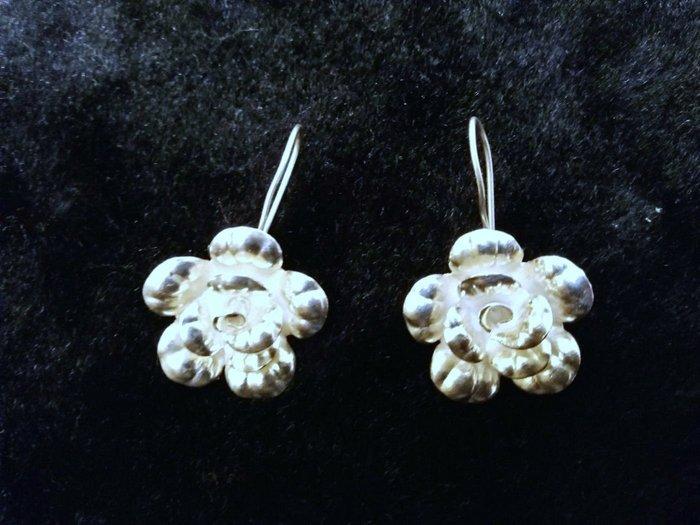 一對價680$925純手工銀飾耳環 手創品 花開富貴