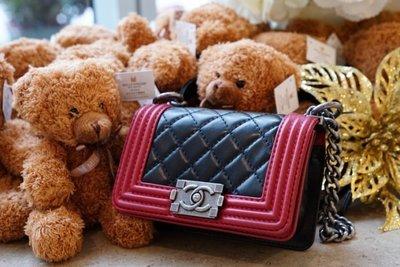 Chanel A67364 Mini Boy quilted Bag 迷你羊皮菱格紋 Boy 肩背包 黑/紅