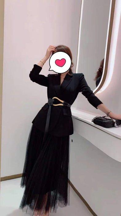 Papa darling 20fw 專業幹鍊高級西裝外套馬蹄腰帶+網紗a字裙 套裝