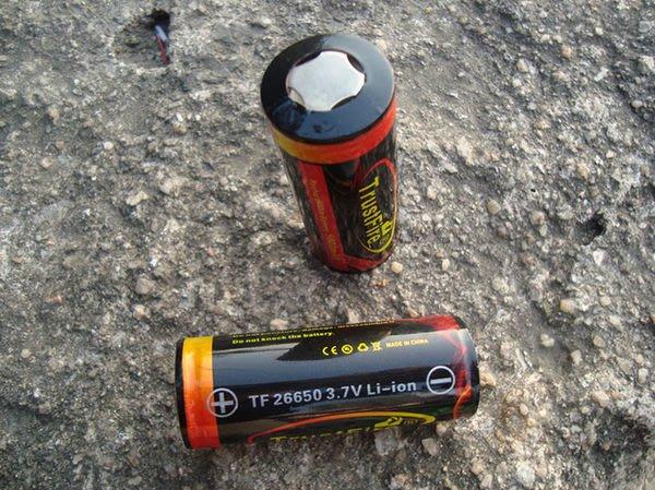 原廠正品 TRUSTFIRE  26650带保護電路5000MHA 大容量電池