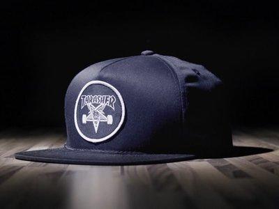 【THRASHER】Skategoat Snapback帽子(藍色)