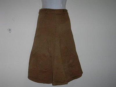 咖啡色長裙   購買價:88 元 運費 60元