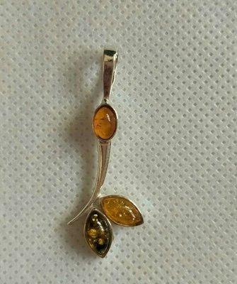 925純銀波蘭琥珀三色琥珀金珀,綠珀,925純銀葉子流線型墜子珠寶展帶回,500含運郵寄