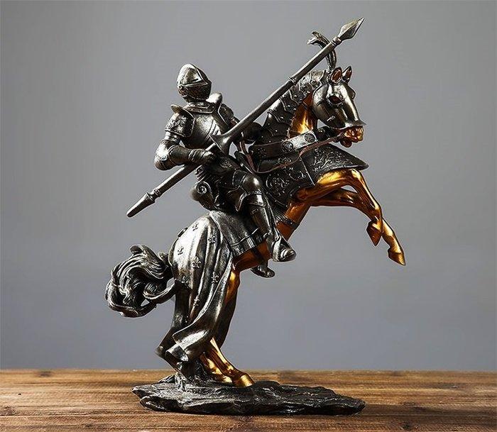 歐騎士盔甲模型羅馬創意禮品辦公室酒吧擺件家居書房客廳裝飾飾品*Vesta 維斯塔*