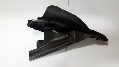 BMW  E39  雨刷蓋板耳朵  橡膠座 左右導流板 雨刷 Windshield Cowl Cover