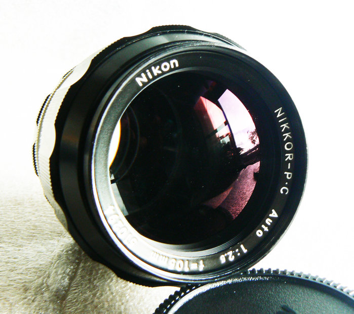 【悠悠山河】近新品 酒紅膜 正版阿富汗少女鏡 Nikon NIKKOR-P.C 105mm F2.8 難得臻品完美透亮