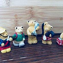 Small Wood-made teddy bears