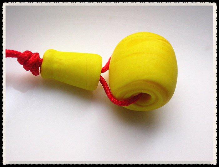 【雅之賞】*特賣* 藏式古法手工琉璃磨砂黃色12mm三通佛頭~Q873
