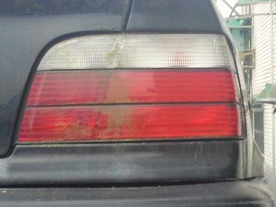 E36雙門红白尾燈,左右一起賣