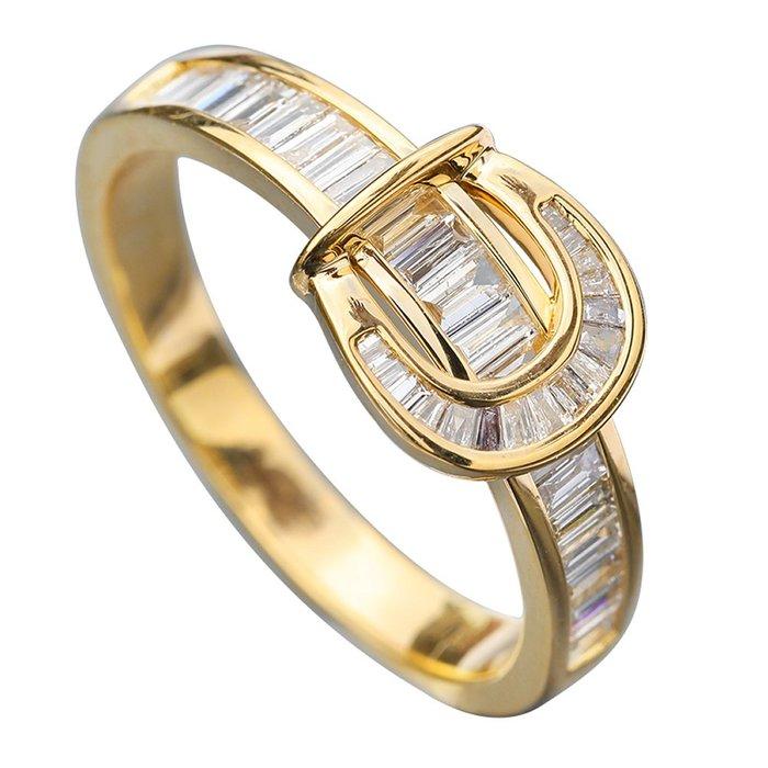 伊莎貝拉輕珠寶系列-18K金天然梯方鑽戒