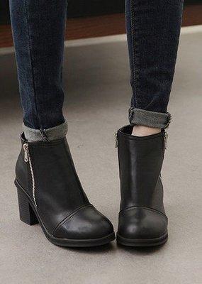=WHITY=韓國BAGAZI品牌 韓國製 FF官網正品新款粗跟時尚軟皮踝靴  S4BJ862
