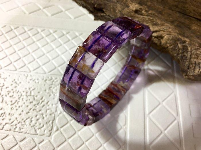天然水晶異象水晶清透寬版13mm紫幽手排-34g