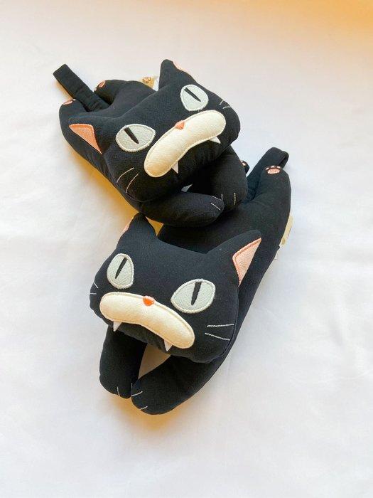 日本卡拉貓~黑貓手枕