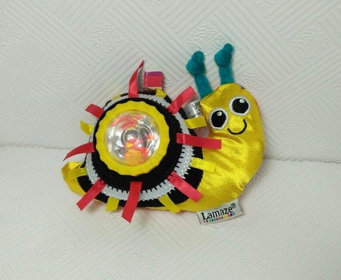 ☆奇奇娃娃(RT)☆Lamaze品牌,金黃色的小蝸牛手搖鈴,有按響,響紙 轉轉小蝸牛搖鈴~150元