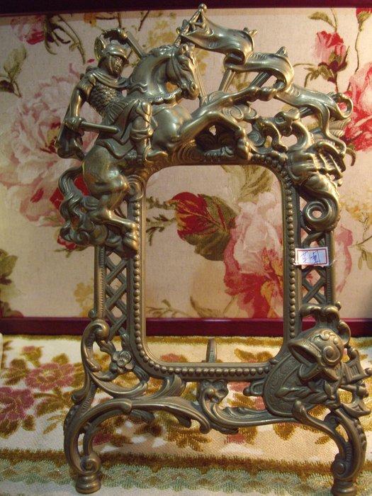 歐洲古物時尚雜貨 英國 金屬浮雕 騎士相框 擺飾品 古董收藏