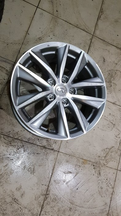 保證正品  infiniti 正廠17吋鋁圈  Q50 全新車卸下  3999元/1 最後4個