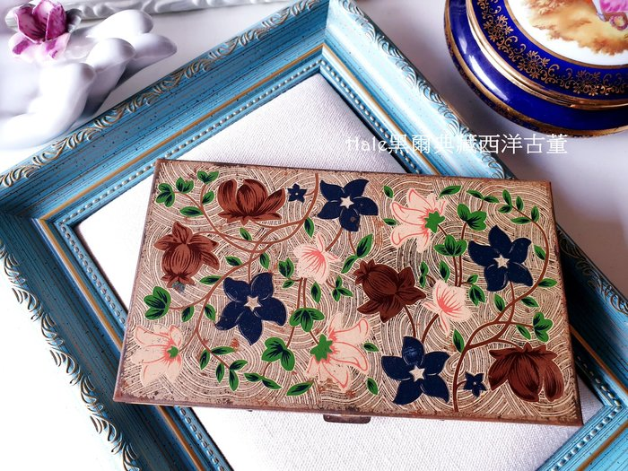 黑爾典藏西洋古董~美國VOLUPTE USA 1941's廣告款花卉鈔票鐵盒/菸盒/名片盒/古董Vintage