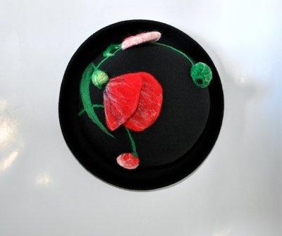 【獨立原創】手工訂製!非常優雅的女子。修長冷豔的鬱金香。紅色和粉紅,黑色,很立體。手作羊毛氈捲邊圓帽+禮帽+圓頂帽