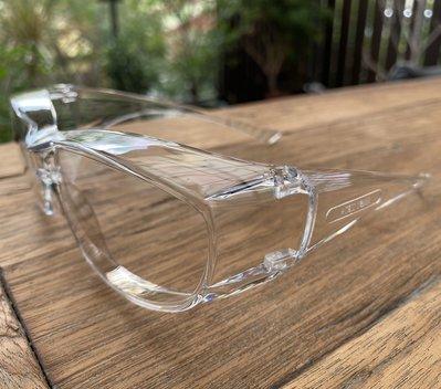 台灣製 小臉用全方位專業護目鏡 透明防護套鏡 ANSI Z87+ 抗UV400 隔絕飛沫 防風沙 防疫 耐衝擊 可套眼鏡