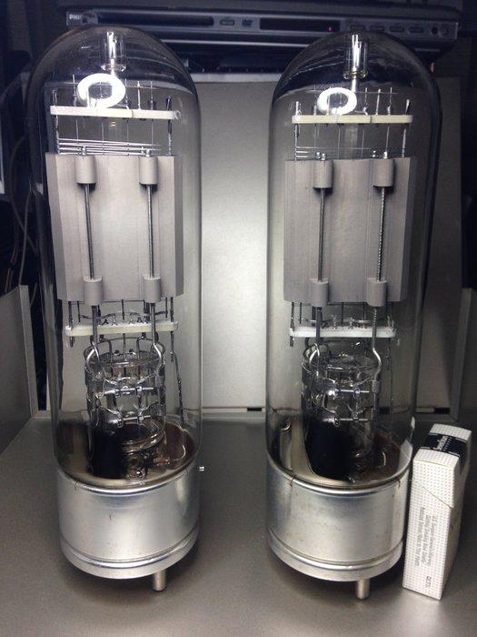 STC-4212E 吊燈絲Tube  一對  另有一對全新STC 4212原廠管座賣15000