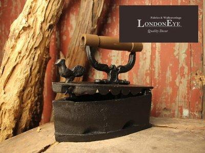 【LondonEYE】Vintage Industrial 工業風/LOFT/MIX 復古炭火生鐵老熨斗 Iron  懷舊/藏品 櫥窗《DC206》