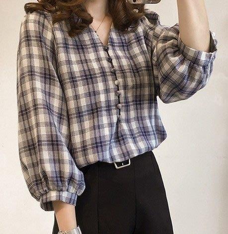 (GU1185)燈籠袖排扣V領格子長袖襯衫七分袖格紋女上衣服春夏裝韓版寬鬆