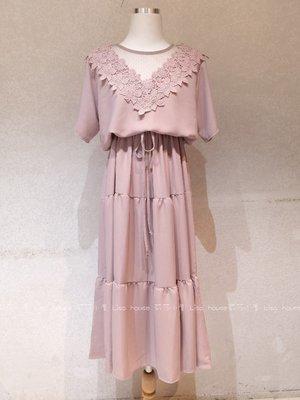 【莉莎小屋】正韓 春款新品💝韓國連線代購-V蕾絲領網雪紡長洋裝(現貨)👚👖