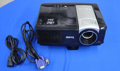 二手BenQ MP575  DLP投影機 解析度支援最大1600x1200  3000 流明 燈泡很亮