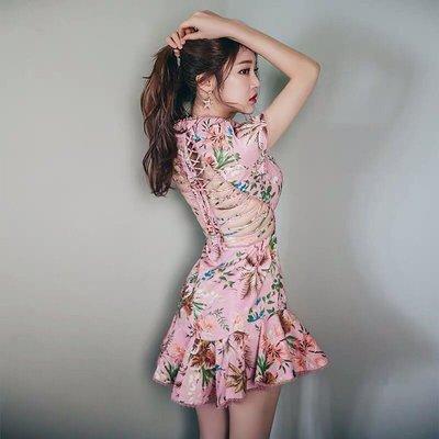 【17LOVE】正韓 粉紅圓領魚骨露背 氣質性感 短袖顯瘦花鳥印花荷葉裙 洋裝 連身裙 婚禮粉紅 婚禮 伴娘服 舒子晨