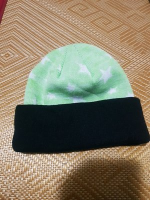 COLLEGIATE HEADWEAR Captivating headgear 蘋果綠色白色星星黑色邊毛帽針織帽