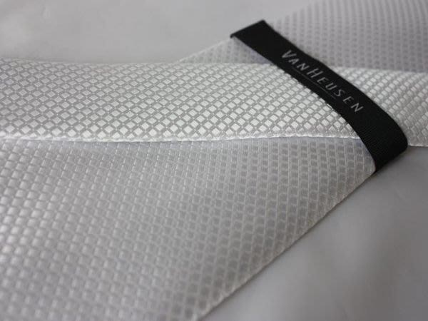 【VANHEUSEN】100%全新正品 菱格紋領帶-白色【寬版9cm】*領帶兩條95折三條9折*NEW VA15