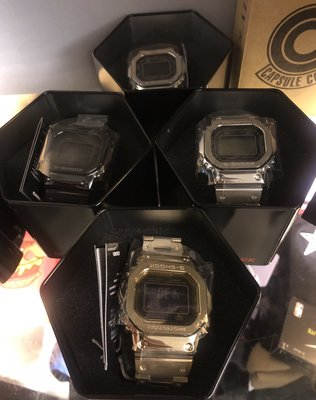 金銀色全新 CASIO G-SHOCK GMW-B5000GD-9JF 金色 全金屬 不鏽鋼 電子錶