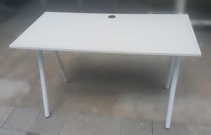 台中樂居二手家具 E925-04 白色馬鞍皮書桌*電腦桌 工作桌 辦公桌 閱讀桌 2手各式桌椅拍賣【全新中古傢俱家電】