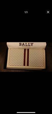 BALLY (全新) 白紅長皮夾 售價:10000