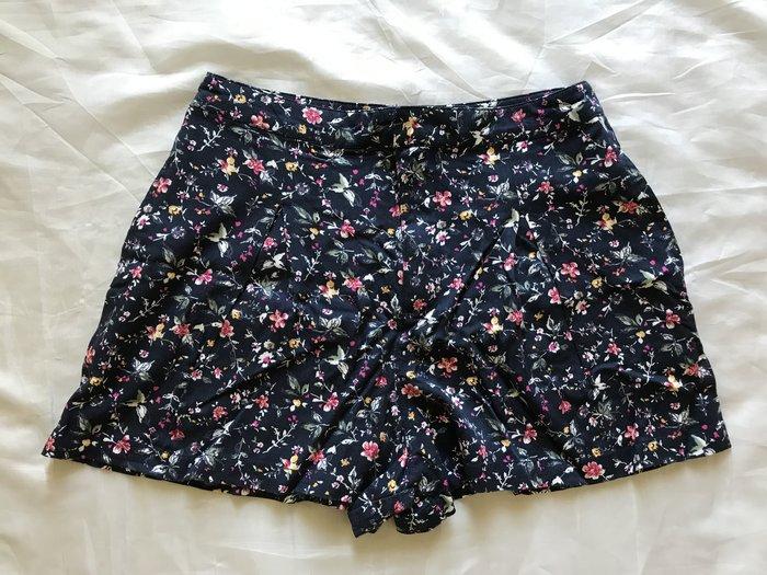 【天普小棧】Abercrombie&Fitch A&F Floral Shorts休閒短褲熱褲深藍4號(約26/27)