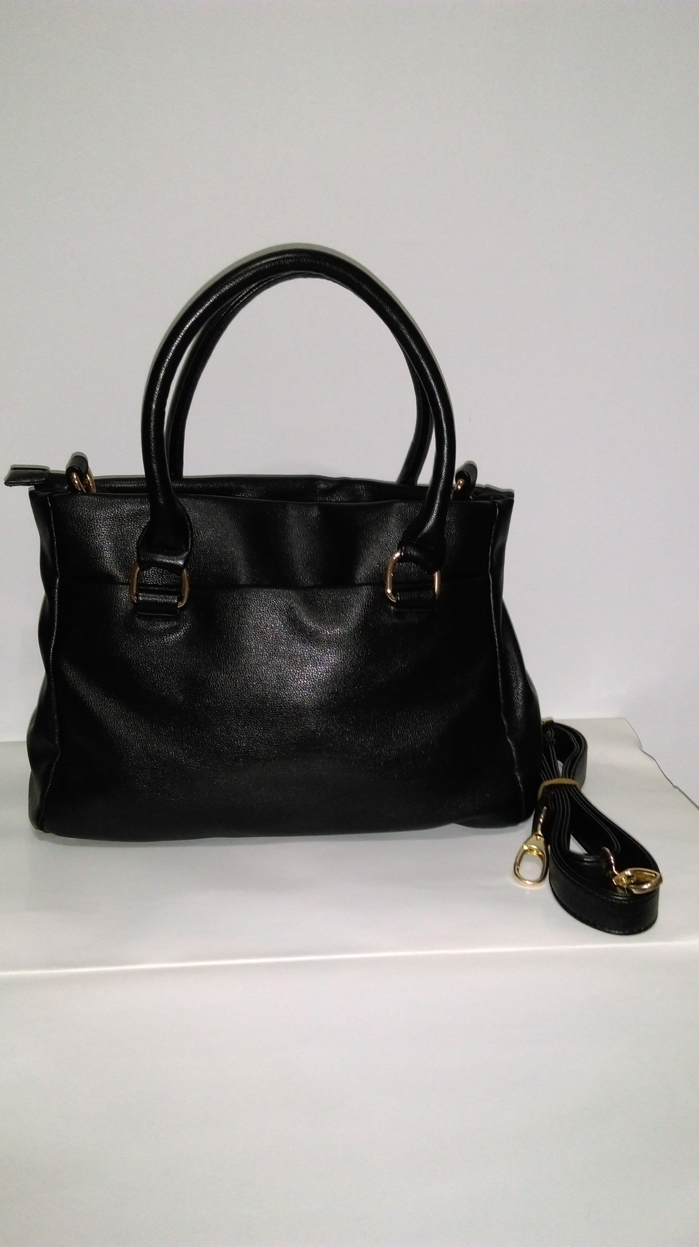 8成新 時尚  側背包 肩背包手提包   購買價:248 元