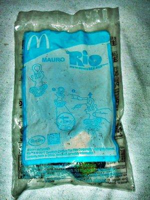 A.(企業寶寶玩偶娃娃)全新未拆封2011年麥當勞發行里約大冒險/Rio-絨猴/Mauro公仔!--值得收藏!/6房樂箱