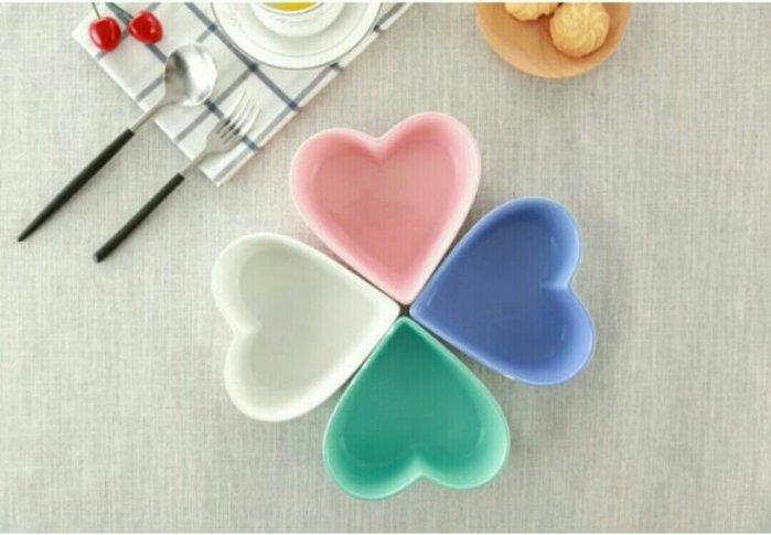 愛心陶瓷碗甜點碗濃湯碗 粉色 白色 藍色 紫色【 蘇菲亞精品傢飾】