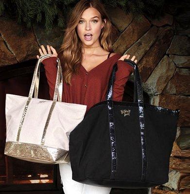 【菲菲美國舖】超大容量。現貨~* Victorias Secret *~輕巧甜美。華麗亮片帆布側背包/旅行袋(媽媽包)