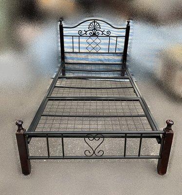 台北二手家具買賣 推薦 泰山宏品中古傢俱館 *B62708*3.5尺黑色單人鐵床架*掀床 床底 床箱 上下舖 床墊 衣櫃