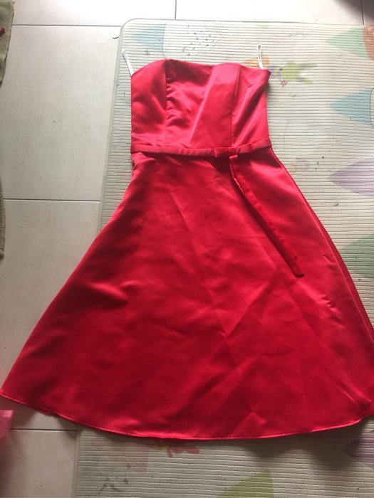 Jessica McClintock 紅色平口無袖緞面禮服 4號