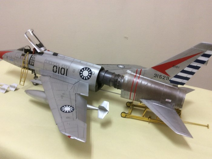 F100-超級軍刀戰鬥機